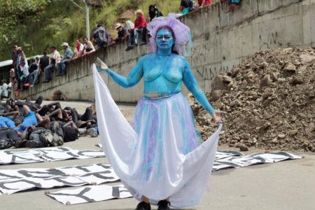 13.-Performance---Madre-agua