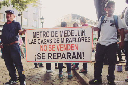 Marcha Contra Desalojos-(2)