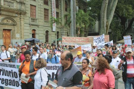 Marcha Contra Desalojos-(5)