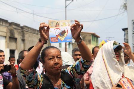 Uniendo Pueblos Por La Paz 28