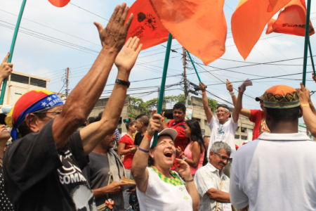 Uniendo Pueblos Por La Paz 30