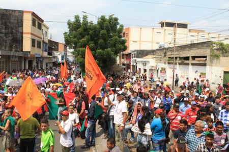 Uniendo Pueblos Por La Paz 37