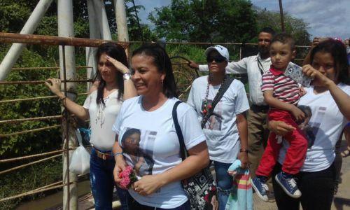 Familias de líderes y lideresas se reúnen tras injusta detención