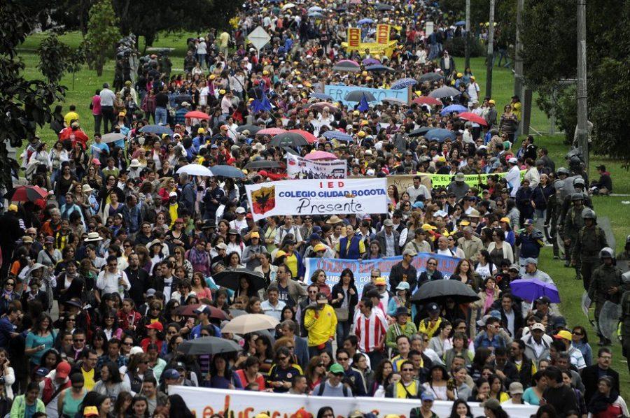 Mundo: Se reactivan las manifestaciones en Colombia